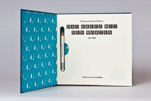 Buch mit integriertem Bleistift