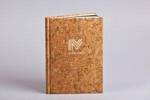 Buch mit Einband aus Kork